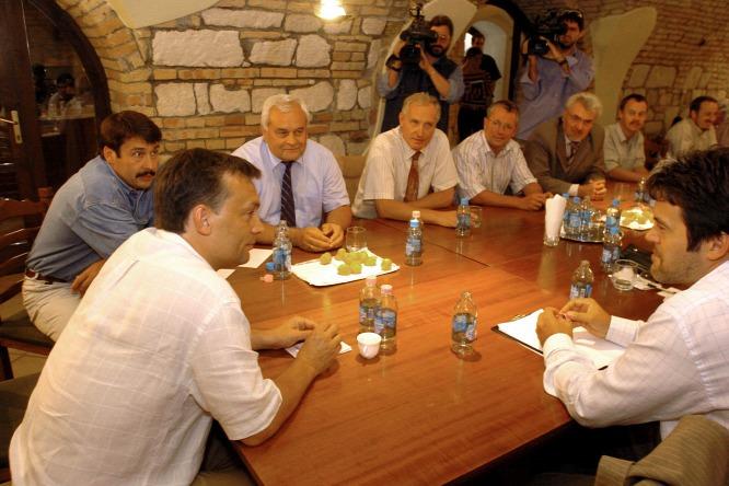 MTI/Kovács Attila Orbán Viktor már tíz évvel ezelőtt sem tudta, ki az a Habony Árpád