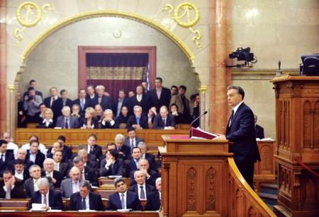 Budapest, 2011. december 12. Orbán napirend előtti felszólalása az Országgyulés plenáris ülésén. MTI Fotó: Beliczay László