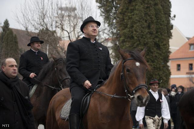 Semjén Zsolt 2013. március 15-én Kézdivásárhelyen (Fotó: MTI/Baranyi Ildikó)