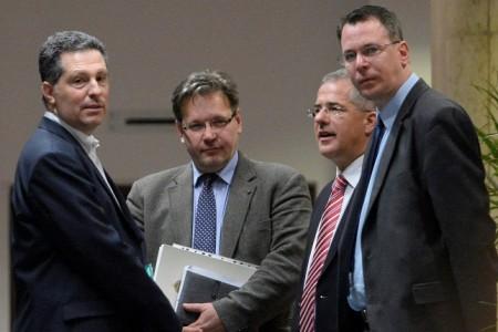 Schiffer András, az LMP társelnök-frakcióvezetője, Vejkey Imre, a KDNP frakcióvezető-helyettese, Kósa Lajos, a Fidesz frakcióvezetője és Mirkóczki Ádám, a Jobbik szóvivője (Forrás: MTI/Kovács Tamás)