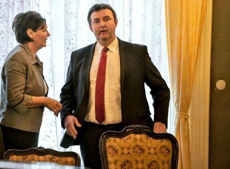 Pölöskei Gáborné, a régi víz új feje és Palkovics László mindennemű oktatási államtitkár (Fotó: eduline.hu)