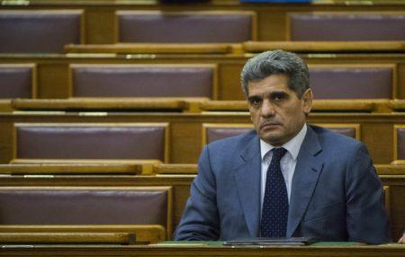 Farkas Flórián a Parlamentben, ahol jelen mandátuma alatt egyszer sem szólalt fel (Fotó: Illyés Tibor / MTI)