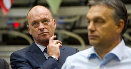 Tiffán Zsolt, visszeső fröcsögő, Facebook-huszár és parlamenti képviselő (Forrás: Pécsi Stop)