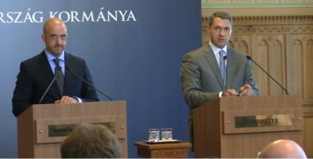 51. kormányinfó szóvivővel és miniszterrel (Fotó: via Youtube)