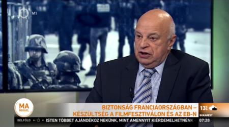 Nógrádi György biztonságpolitikai tanárprofesszorúr megszakértette a napi rettegést (Fotó: via hirado.hu)