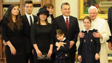 Az ezeréves keresztény magyar család ideáltípusa (Forrás: 24.hu)