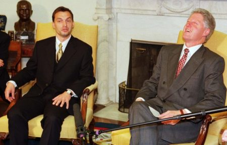 Orbán Viktor és Bill Clinton 1998-ban (Fotó: atv.hu)
