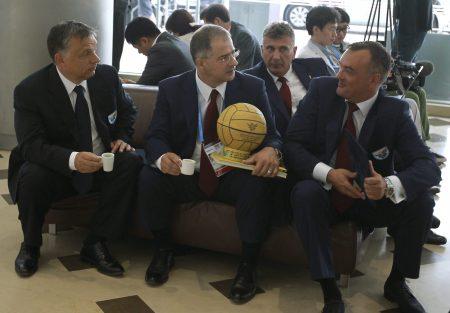 Orbán, Kósa, Szabó Bence MOB-főtitkár és Borkai Zsolt MOB-elnök (MTI Fotó: Kovács Anikó)