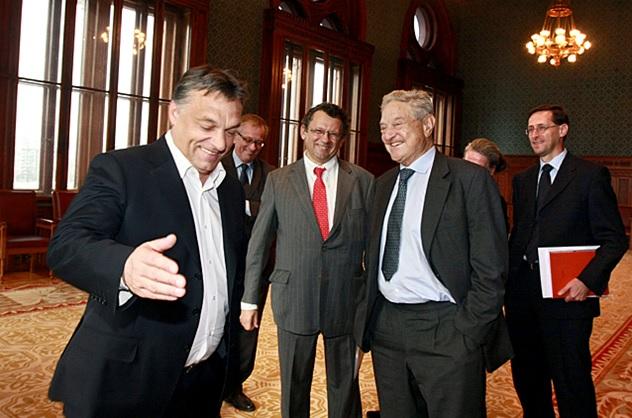 Orbán Viktor fogadja a Parlamentben Soros Györgyöt 2010 októberében (Fotó: Pelsőczy Csaba / Miniszterelnökség)