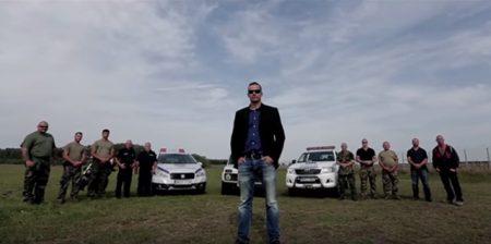 Részlet minden idők leggagyibb propaganda-akciófilmjéből, a főszerepben egy önjelölt honvédő, Toroczkai László, a Jobbik alelnöke (Fotó: Youtube)