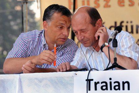Tusnádfürdő, 2009. július 18. Traian Basescu akkori román elnök és Orbán Viktor, a Fidesz elnöke a Bálványosi Nyári Szabadegyetemen (Fotó: MTI/Oláh Tibor)