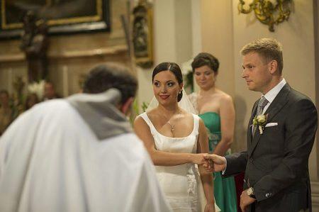Orbán Viktor miniszterelnök lánya, Orbán Ráhel és férje, Tiborcz István egyházi esküvője a Margit körúti ferences templomban 2013. szeptember 7-én. (MTI Fotó: Burger Barna)