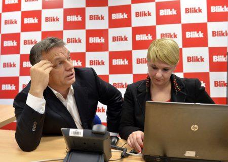 Orbán Viktor a Blikk szerkesztőségében 2014. december 9-én. (MTI Fotó: Máthé Zoltán)