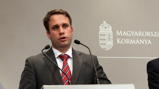 Állok Dömötör úr és a magyar kormány rendelkezésére