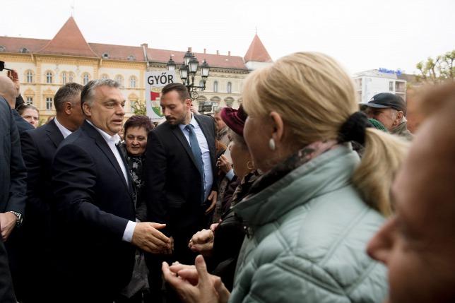 Hát hogyan fog szegény Csalinka néni megtakarítani évente ezerháromszáz jó magyar forintot?