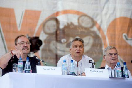 Németh Zsolt, Orbán Viktor, Tőkés László | Fotó: MTI/Koszticsák Szilárd