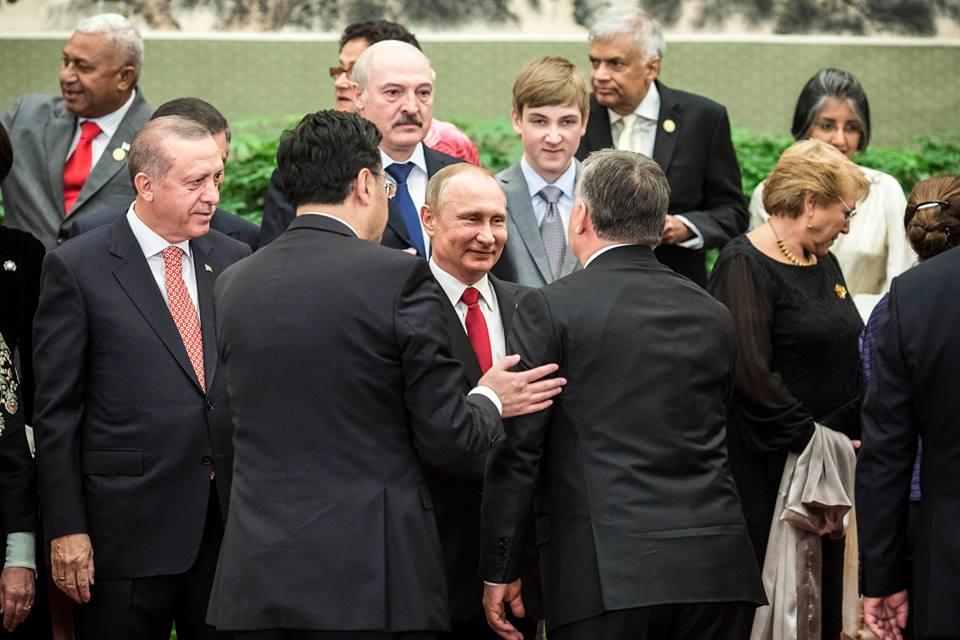 Despoták egymás közt (Fotó: Facebook/Orbán Vikor)