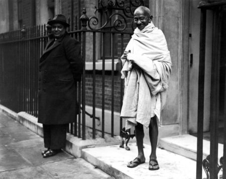 UNITED KINGDOM - CIRCA 1931:  Mahatma Gandhi In London 1931  (Photo by Keystone-France/Gamma-Keystone via Getty Images)