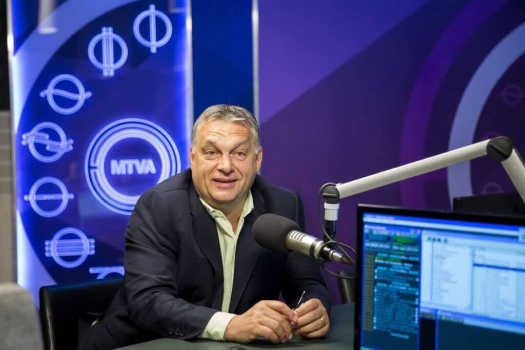 Orbán interjút ad a 180 perc című műsorban a Kossuth Rádió stúdiójában 2017. július 7-én (Fotó: Mohai Balázs/MTI/MTVA)