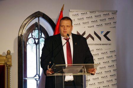 Hornyák Tibor, a kormány szegény sorsú gyerekeket táboroztató alapítványának vezetője (Fotó: MTI)