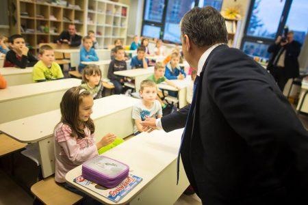 Orbán 2015-ben a szombathelyi Brenner iskolában (Fotó: Facebook/Orbán Viktor)