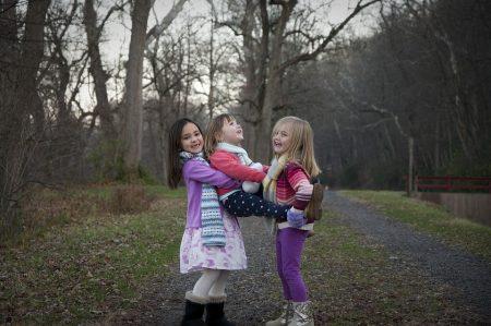 sisters-1935479_960_720