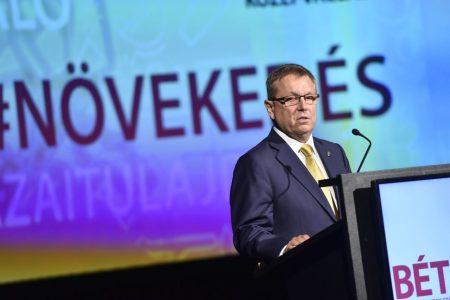 Matolcsy Rómeó György beszédet mond a Budapesti Értéktőzsde középvállalatok növekedéséről szóló konferenciáján 2017. szeptember 20-án (Fotó: MTI/MTVA/Máthé Zoltán)