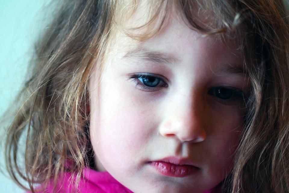 Panni vagyok, hét éves és félek