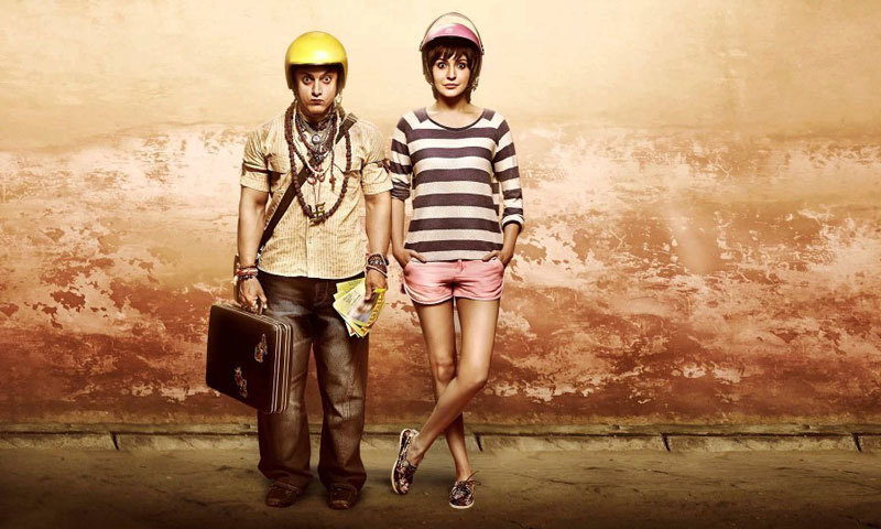 A PK című 2014-es film egyik hivatalos plakátja (via Bollyone.com)