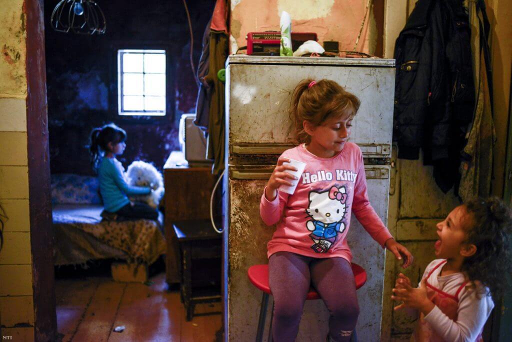 Tízezer magyar gyermek