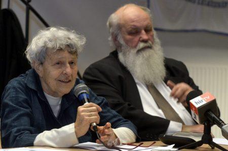 Ferge Zsuzsa szociológus és Iványi Gábor lelkész (Fotó: MTI/Kovács Attila)