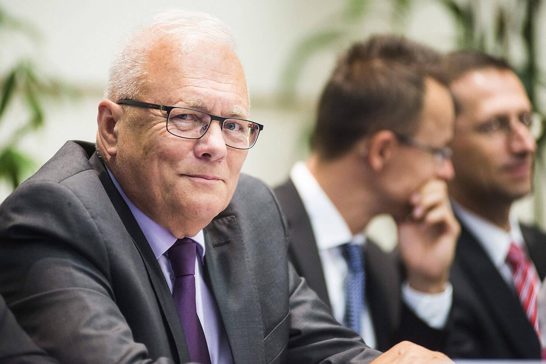 Balázs Péter volt külügyminiszter és uniós biztos, Szijjártó Péter és Varga Mihály (Fotó: MTI/MTVA / Balázs Attila)