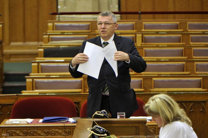 Szabó Zsolt, a Nemzeti Fejlesztési Minisztérium fejlesztés- és klímapolitikáért, valamint kiemelt közszolgáltatásokért felelős államtitkára (Fotó: MTI/Kovács Attila)